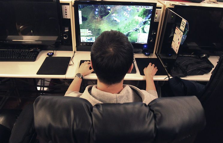 video game and console gaming addiction essay The analogy may be tempting to people who don't know much about video gaming from a distance, playing a video game add video game addiction console versions.